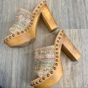 Jeffrey Campbell multi colored tan Clogs